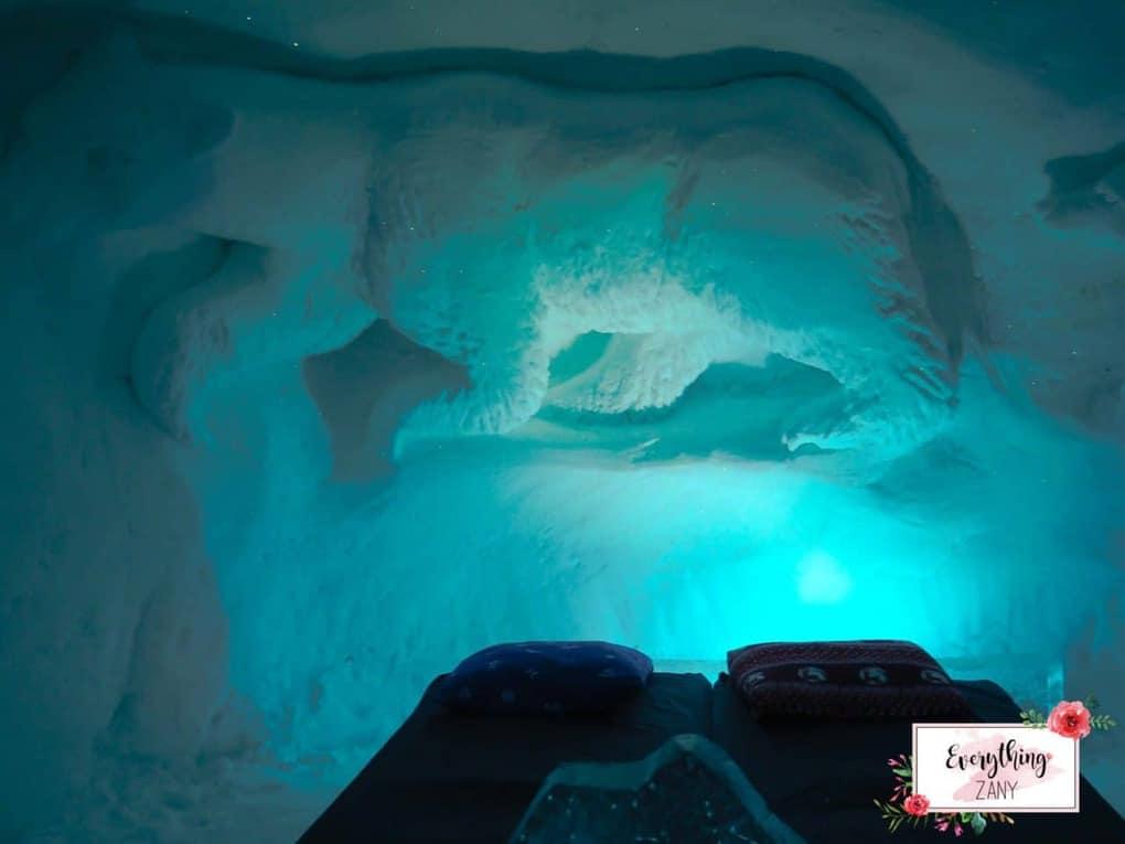 My Ice cabin with Polar bears