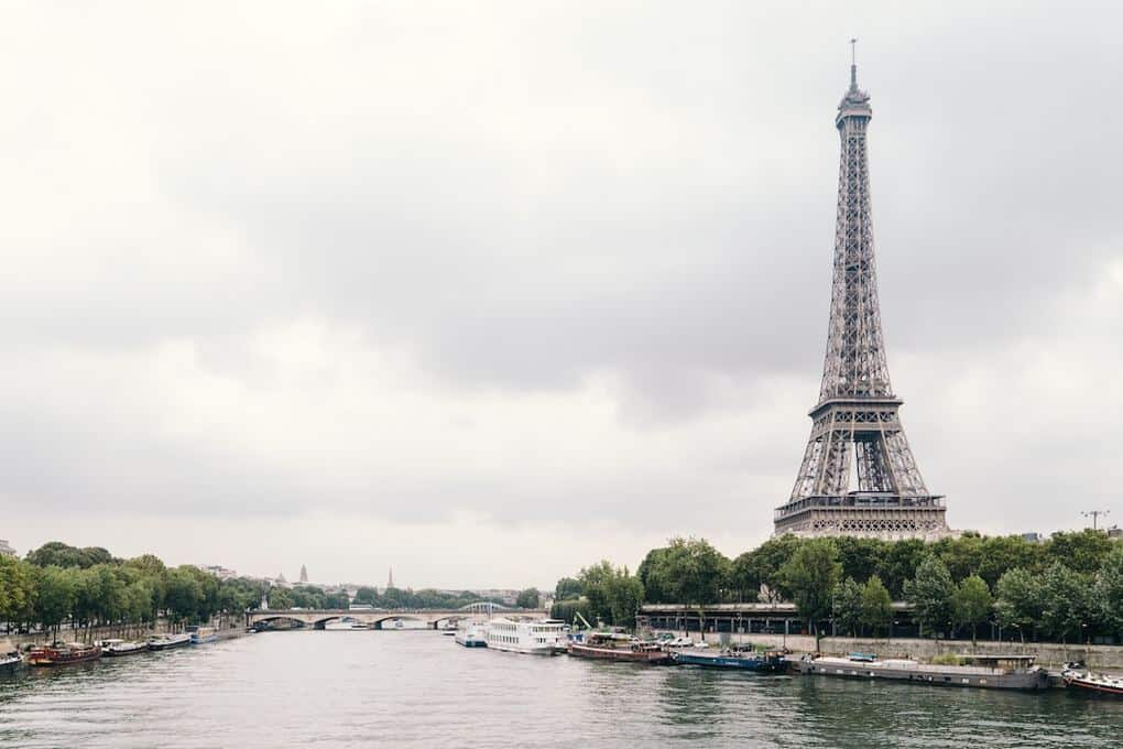 Helpful Awesome Travel Tips in Exploring Paris (France)