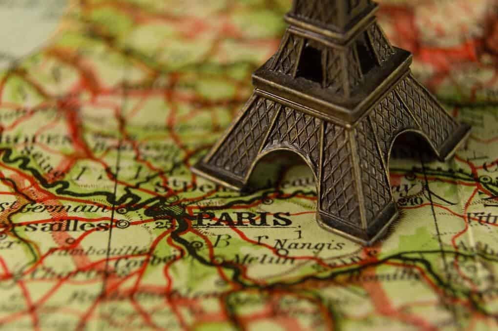 Paris Map and Eiffel tower