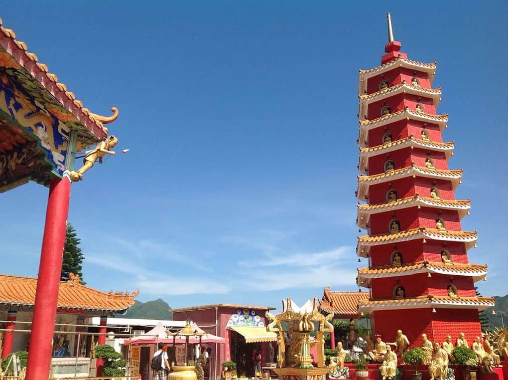 Ten Thousand Buddha Monastery