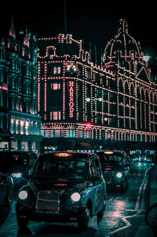 London Sightseeing: Best Things to Do in London (UK) - Harrods