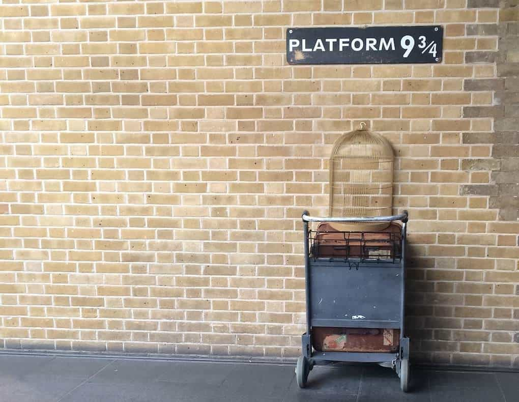 places to visit in London and Best Things to Do in London (UK) - Platform 9 3/4 Kings Cross St Pancras