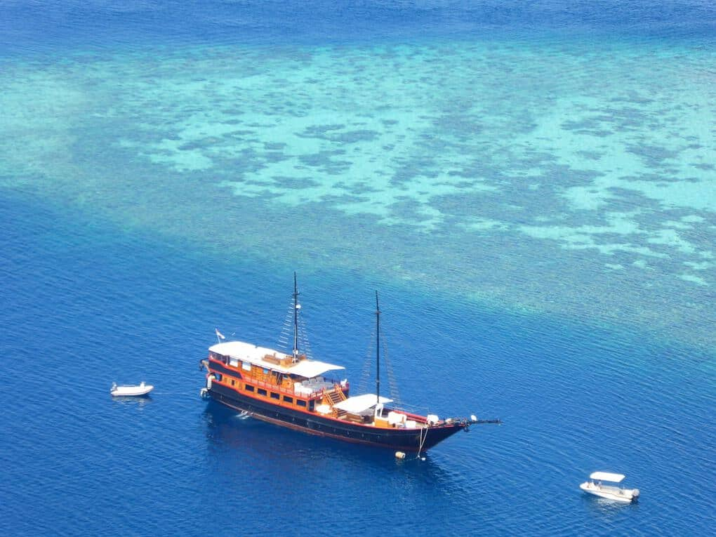 Indonesia Komodo National Park Samata cruise
