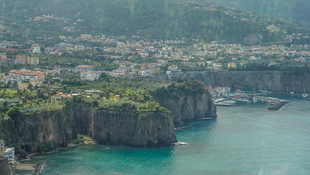 Backpacking Travel Around Europe By Train Itinerary For 2 Weeks - Sorrento