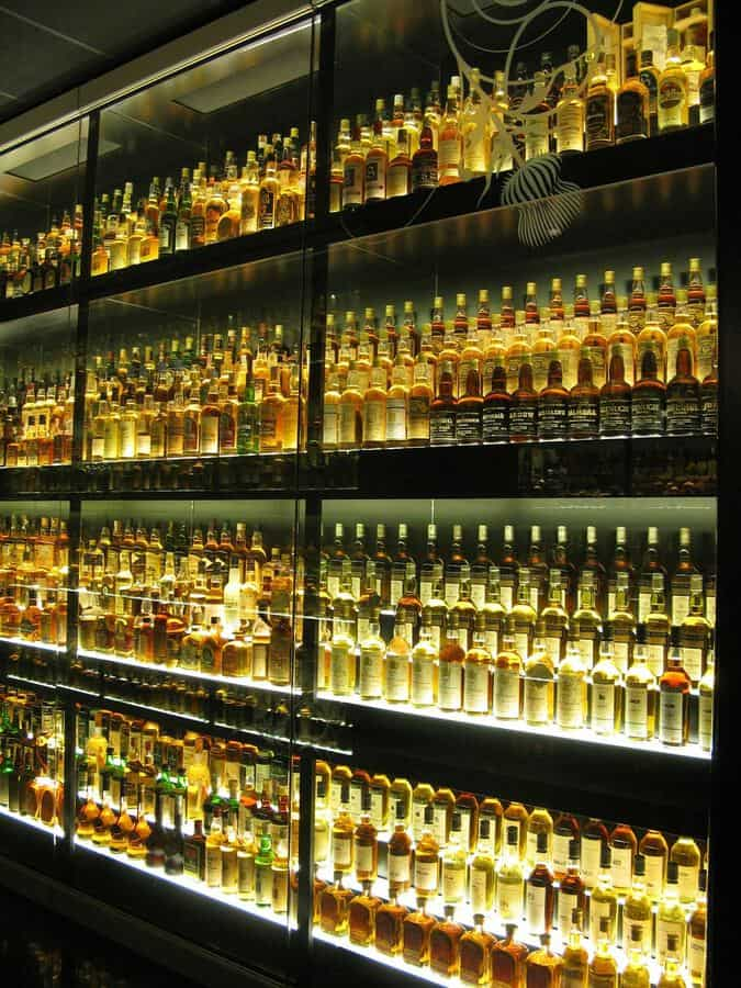 things to do in Edinburgh Scotland: Whisky Museum in Edinburgh